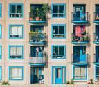 Los navarros responden a iniciativas de agradecimiento y protesta desde sus balcones