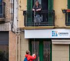 La compra a Ana Mari le llega por el balcón