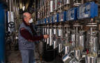 Los residuos que dejó la vendimia en Estella, para alcohol sanitario