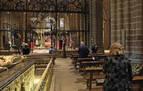 Misa sin fieles en Domingo de Ramos en la Catedral de Pamplona y con oración por los afectados