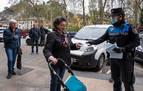 Policías y Protección Civil continúan el reparto de mascarillas en Navarra