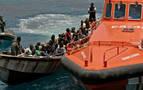 Cuatro detenidos por patronear dos pateras con 35 inmigrantes en Almería