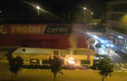 Encapuchados queman de madrugada dos contenedores en Mutilva