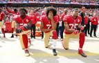 ¿Sabes cuál es el origen de hincar la rodilla para protestar contra el racismo?