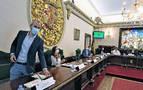 """El Ayuntamiento dejará de apoyar a quienes """"respalden a terroristas"""""""