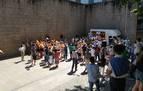 Vox celebra un tenso mitin en Vitoria con protección de la Ertzaintza