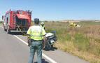 Herida una mujer al salirse de la vía y volcar su coche en Viana