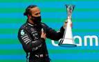 Hamilton, nuevo líder tras ganar en Hungría; Carlos Sainz, décimo