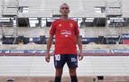Rojo, blanco, azul y escudo en oro: así es la nueva camiseta de Osasuna