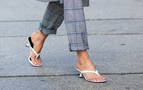 Sandalias 'thong', última tendencia de moda entre las famosas