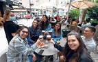 Los españoles son los más felices de Europa, el continente más pesimista