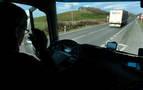 22 consistorios instan al Gobierno a retirar los camiones de la N-121-A
