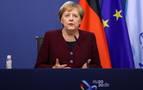 Merkel pide a los alemanes permanecer en casa ante el repunte del coronavirus