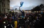El Congreso asegura que dará marcha atrás al presupuesto que originó las protestas