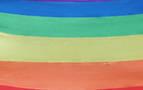 Un banco 'arco iris' en Pamplona para apoyar al colectivo LGTBI