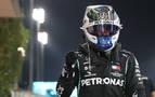 Bottas saldrá primero en Sakhir; Pérez arrancará quinto y Sainz, octavo