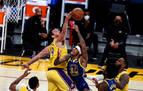 Curry se impone a James y los Warriors sorprenden a los Lakers