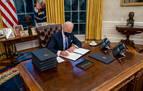 Con Biden desaparece el 'botón rojo'de coca colas que puso Trump