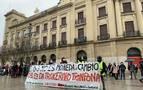 Protesta de CC OO y LAB por los cambios de modelo de las escuelas infantiles
