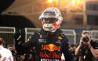 Verstappen se lleva la 'pole' en Baréin, Sainz octavo y Alonso noveno