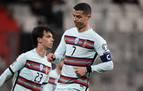 El brazalete que Cristiano Ronaldo tiró al césped, subastado en Serbia por 64.000 euros