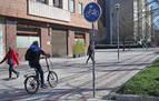Arena silícea, opción para eliminar 27 km de líneas pintadas en aceras como carriles bici