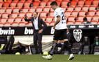 Voro saca al Valencia de la UCI y condena al Valladolid
