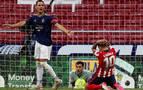 Osasuna lleva al Atlético al límite