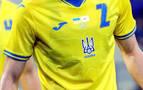 La UEFA obliga a Ucrania a retirar el lema nacionalista de su camiseta