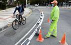 Pamplona incluirá bolardos en los carriles bici que solo tengan separadores de suelo