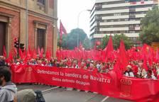 Arranca entre aplausos la marcha por la bandera de Navarra