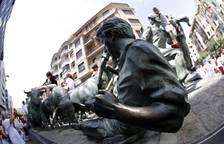 Ambiente en las calles de Pamplona el tercer día de San Fermín