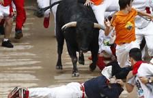 Montón en el quinto encierro de San Fermín