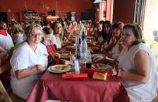Comida del día de la mujer de las fiestas de Cabanillas