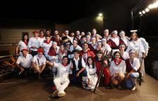 El paloteado de fiestas de San Bartolmé