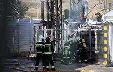 Una explosión de un transformador genera una gran columna de humo en Burlada