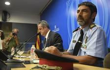 Rueda de prensa del jefe de los Mossos, Josep Lluis Trapero, y el conseller de Interior, Joaquim Forn.