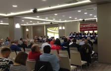 Sabalza y la junta directiva, en el comienzo de las asambleas de Osasuna.