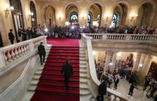 Puigdemont, a la entrada del Parlament.