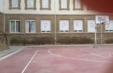Pintadas en el instituto Sierra de Leyre de Sangüesa