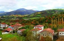 Varios fotógrafos recogen en el libro las instantáneas que nos regala esta zona de Navarra.