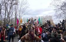 Los Reyes Magos llegan a Pamplona por el Puente de la Magdalena.