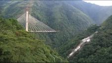 Derrumbe de un puente que iba a conectar Bogotá con Villavicencio