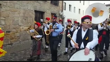 La banda 'Haize Berriak' puso la música catalana a este Sábado de Piñata de los carnavales de Alsasua.
