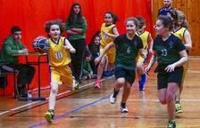 Gigantes | Jóvenes que practican baloncesto en Navarra