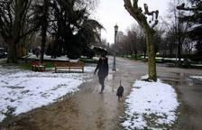 Pamplona recibe nevada a la primavera