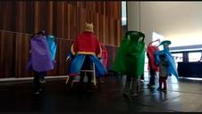 Taller para aprender a bailar gigantes
