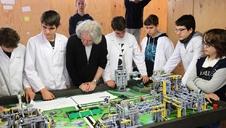 Un equipo de Sarriguren, en la final de la First Lego League de Detroit