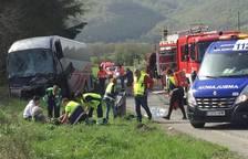 Un muerto y cinco heridos en una colisión frontal en la N-121-A, en Lantz