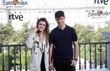Amaia y Alfred se despiden de la prensa en Madrid.
